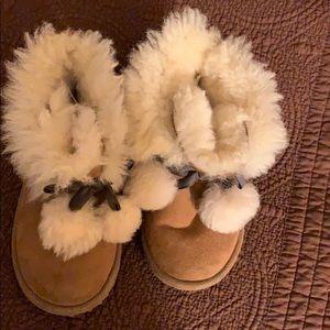 Child ugg pom-pom boots